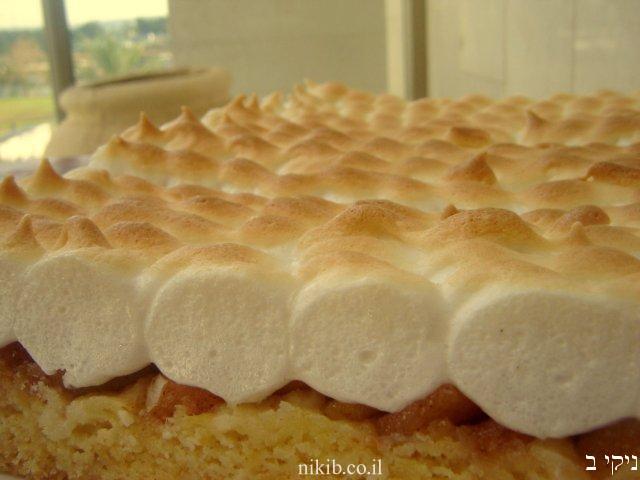 עוגת תפוחים מייפל וקצף אפוי