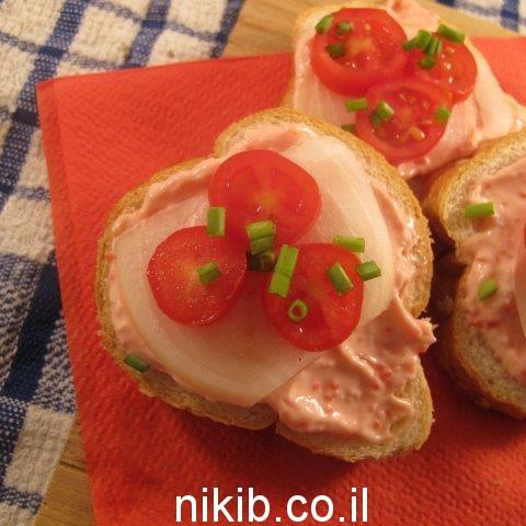כריך עם איקרה בצל ועגבניות / כריכים לילדים