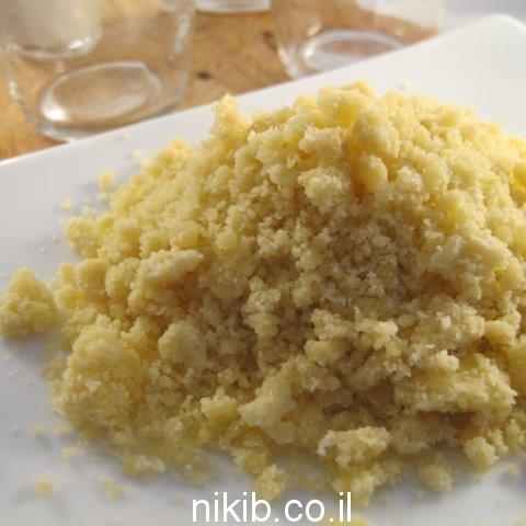 עוגת גבינה עם פירורים בצנצנת