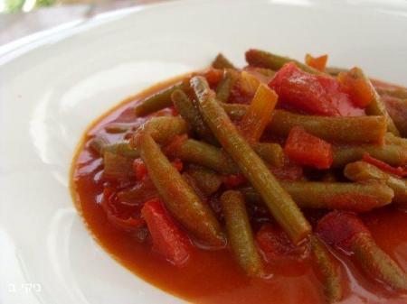 שעועית ירוקה ברוטב עגבניות ופלפלים / שישי טעים!