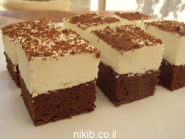 עוגת מוס שוקולד וקצפת