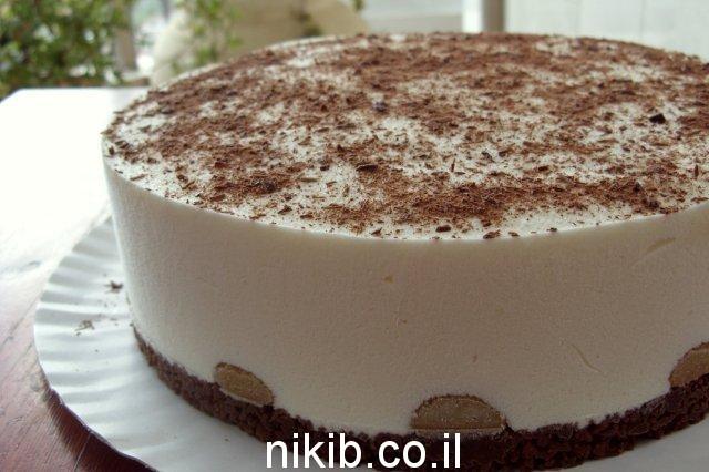 עוגת גבינה ושוקולד לבן על בסיס קורנפלקס