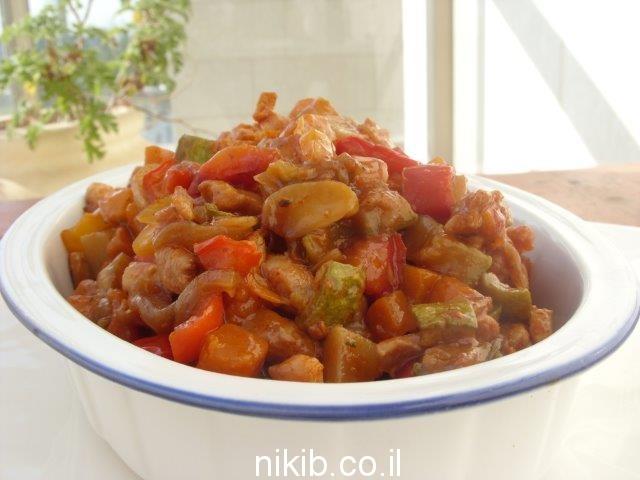 תבשיל ירקות עם נתחי עוף / מה מבשלים לשישי שבת ?
