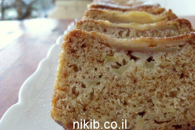 עוגת תפוחים ודבש הפוכה / מה מתבשל בסירים ?