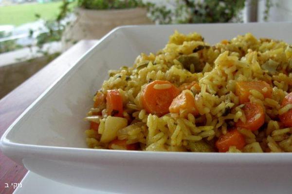 תבשיל אורז וירקות בשלל טעמים