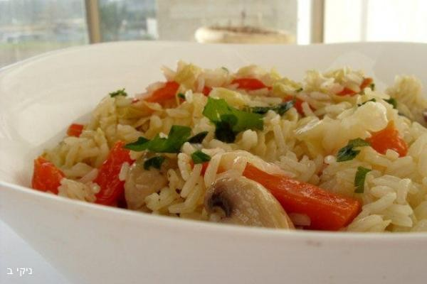 אורז מוקפץ עם ירקות